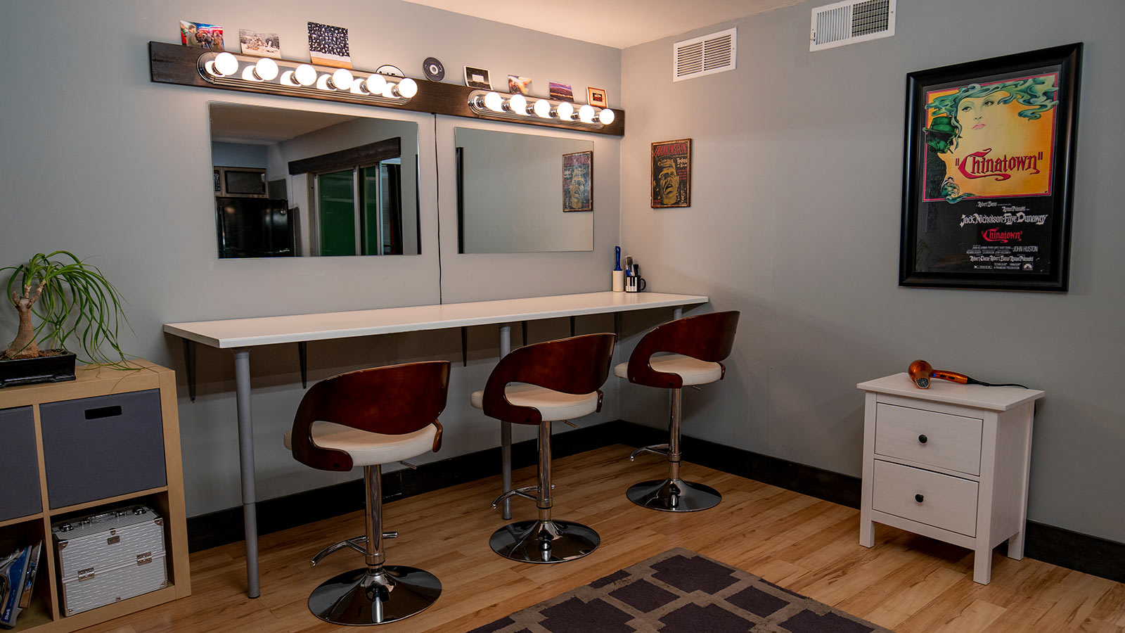 Kinopicz Studio Hair/Makeup Room